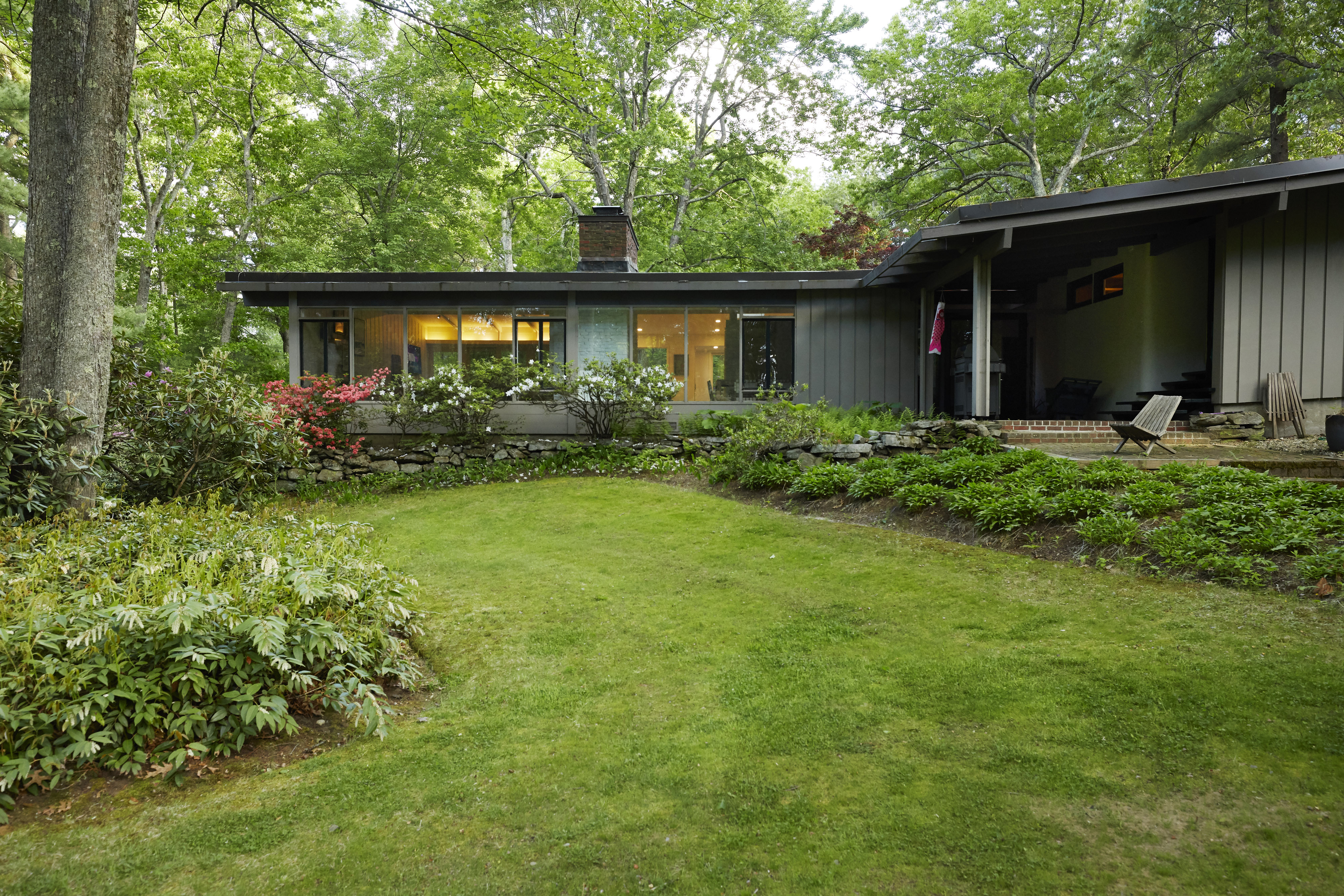 One of Concord's Finest Modernist Properties
