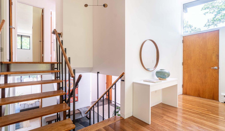 stairsfoyer
